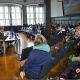 Arbeitslose und Auszubildende mit Fragen zur EU-Wahl im Marburger Rathaus
