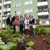 """""""Essbare Stadt"""" auf Grünflächen vor Wohnhäusern am Richtsberg"""