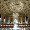 Sonntags im Kasseler Ballhaus: Veranstaltungsreihe Kultur unterm Kronleuchter startet neu