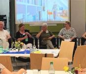 Einsamkeit im Alter: Eine Bratwurst beim Stadtfest mitzuessen, wäre schon schön gewesen