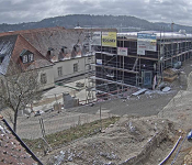 Strohballen statt Beton – Mönche bauen nachhaltiges Gästehaus