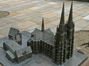 Modell Kirche und Bauwerke Umgebung