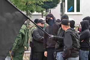 Vermummung und schwarze Kleidung soll Identifizierung und Strafverfolgung verhindern (Foto/Quelle Wikipedia CC)