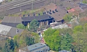 Der Rundbau des vormaligen Lokschuppen ist Kulturdenkmal. die Stadt Marburg will ihn verkaufen und dort Wohnbebauung zulassen. Foto R.Kieselbach