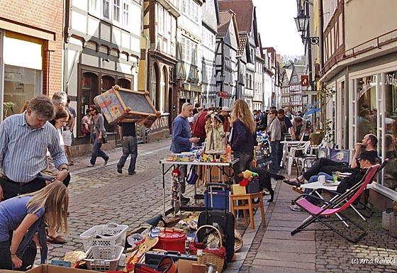 Das Marburger Online Magazin Y0410 Flohmarkt Weidenhausen