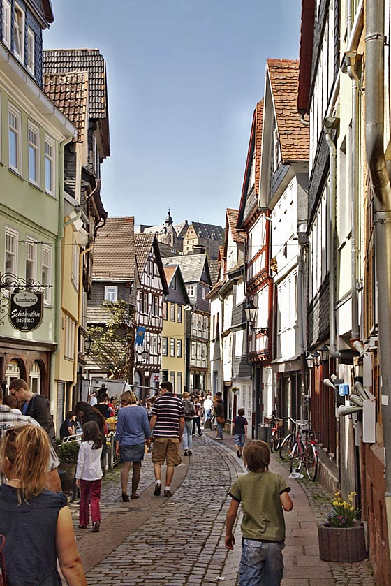 Das Marburger Online Magazin Y1004 Flohmarkt In