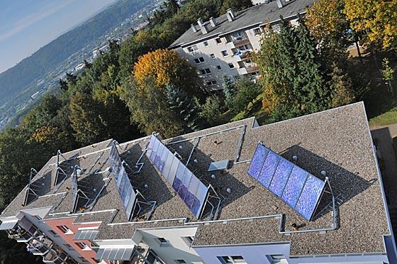 Solar-Module auf Dach am Richtsberg