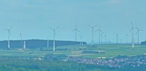 Windpark bei Neustadt von der amoöneburg aus gesehen. Foto Hartwig Bambey