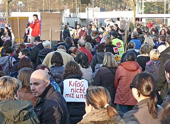 In Marburg hatte es am Vortag der Anhörung im Sozialausschuss des Landtags eine Protestveranstsaltung gegeben