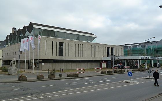 dbau0302_0053-Gebaeude bisherige Stadthalle