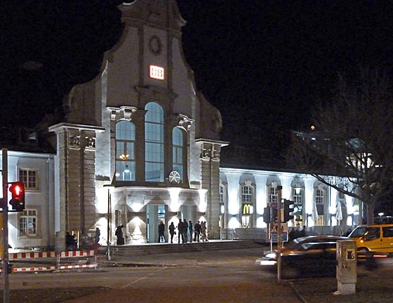 dbau0316_0093-Illuminierter-Bahnhof-Marburg
