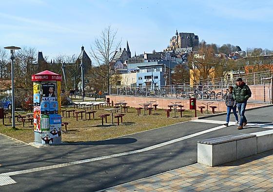 dbau0327-Schlossblick-von-der-Mensa