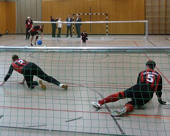 dbau0404-Goal-Ball-in-der-BliStA