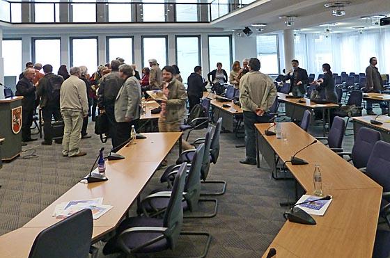dbau0524_0027-Sitzung-ohne-CDU