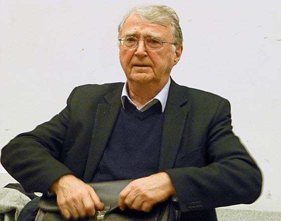"""Autor Frank Deppe bei Buchvorstellung """"AutoritŠrer Kapitalismus. Demokratie auf dem PrŸfstand"""""""