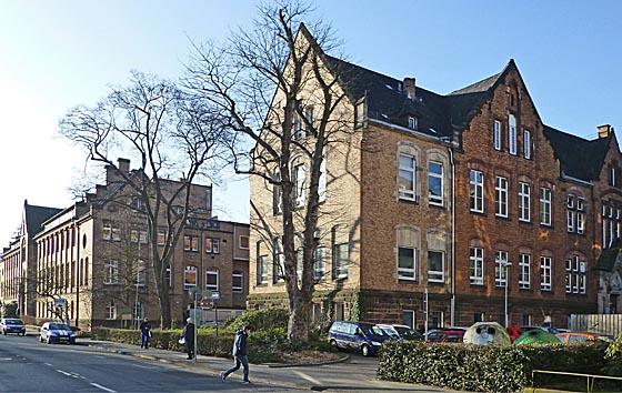 Gebäude von Anatomie, links, und Pathologie als Ensemble in der Robert-Koch-Straße. Alle Fotos Hartwig Bambey, copyright 2014