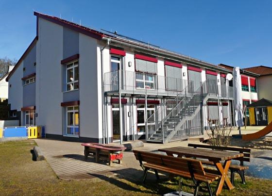 Personal sinnvoll einsetzen, Energie sparen: Die Stadt Marburg bewirtschaftet Schulen und Kindertagesstätten, hier die Kita Bauerbach, sowie Verwaltungsgebäude und Sportanlagen. Foto Jens Küllmer