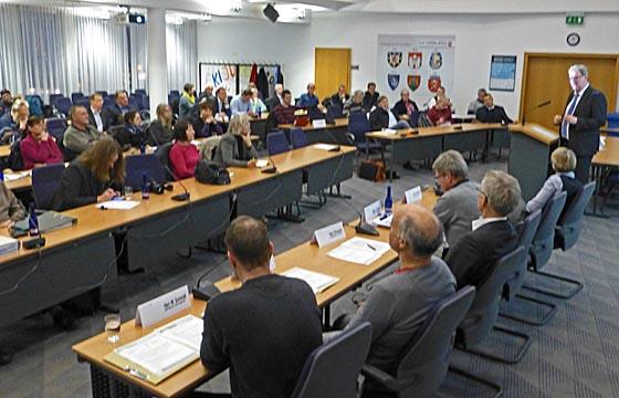 dbav0128 Runder Tisch Wohnen Plenum