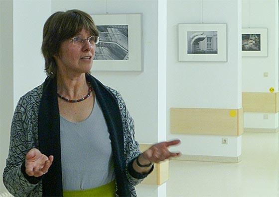 Bereits Anfang Februar eröffnete Dr. Susanne Ließegang, die Kunstbeauftragte des Uniklinikums Gießen, mit Fotografien von Elisabeth Turvold einen weiteren Kunst-Ort im Gießener Uniklinikum. Sternbald-Foto Hartwig Bambey