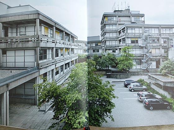 """Eine Doppelseite aus """"Das Marburger Bausystem - Offenheit als Prinzip"""" von Silke Langenberg. Fotografien von Tania Reinicke und Ekkehart Bussenius würdigen die zahlreichen Bauwerke, inzwischen als Denkmäler klassifiziert. Repro Hartwig Bambey"""