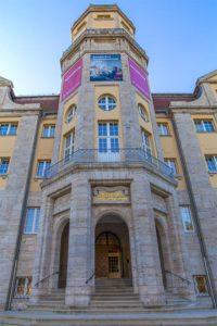 Der Begehbare Turm überragt dasHessische Landesmuseum Kassel und die Umgebung am Brüder-Grimm-Platz. Sternbald Fotos Hartwig Bambey